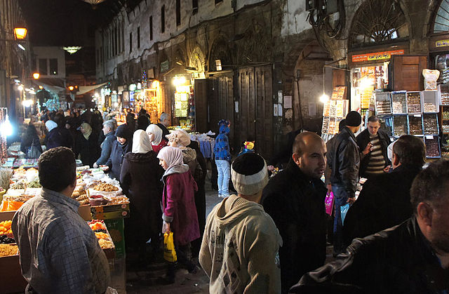 The markets of Old Damascus continue to bustle despite the unrest close by. Taken on Jan. 18, 2012. (Elizabeth Arrott, Wikimedia Commons)